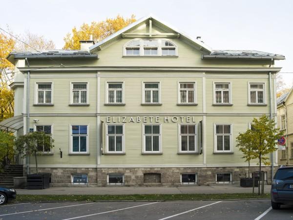 ēka_front-600x449